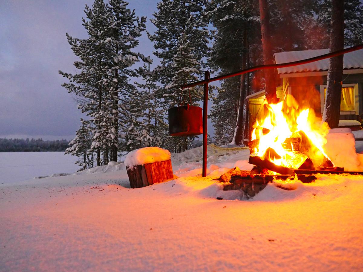покажите пожалуйста картинки отдыхающих зимой у костра все, кто встречался