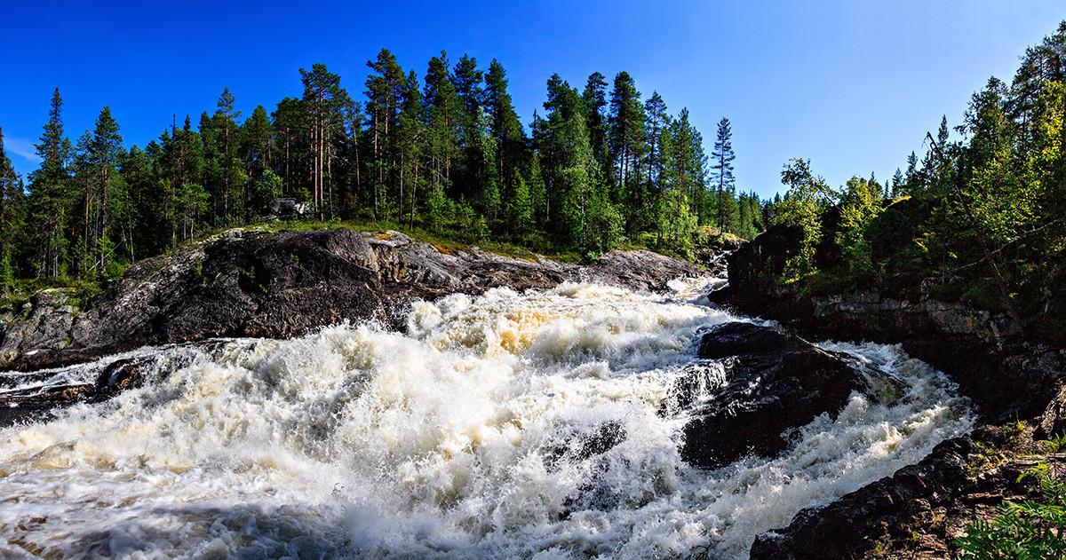 Водопад Куми-порог Карелия