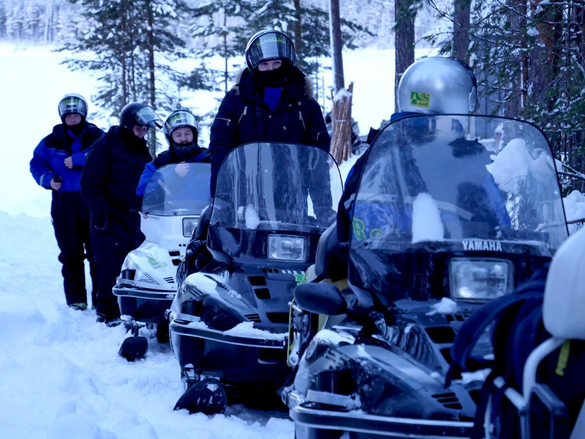 Экспедиция на снегоходах в Карелии