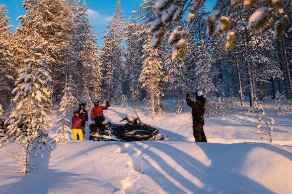 Снегоходный тур в Карелии Рождественский Snow Драйв