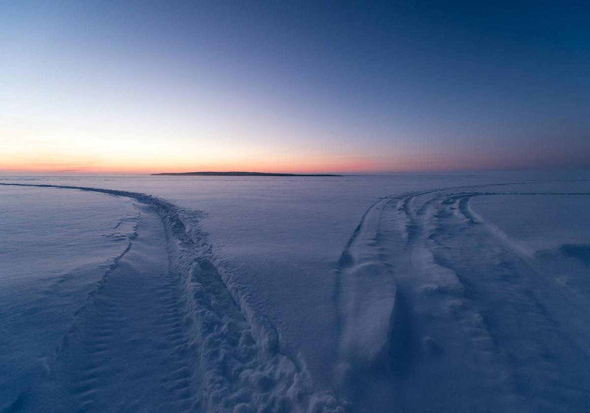 Воскресный Snow Драйв тур на снегоходах в Карелии