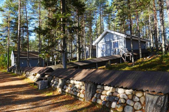 Коттеджи в Карелии осенью - турбаза ВелТ