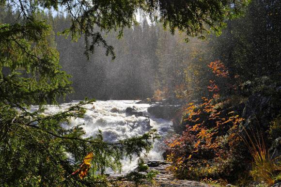 Водопад Куми у порога затерянного мира Северной Карелии - достопримечательности Карелии
